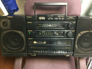 BOOM BOX FOR SALE