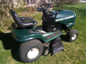 Craftsman LT1000 riding lawn tractor