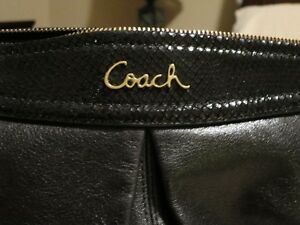 Brand New Black Coach Purse for Sale West Island Greater Montréal image 4