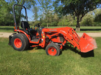 Kubota B2920 (plus attachements)