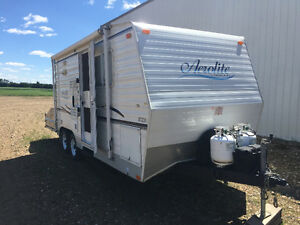 Aerolite by Travelaire 23 foot toy hauler