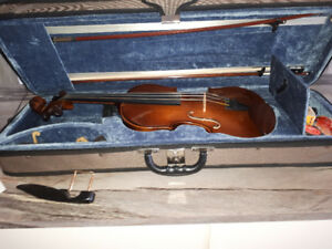 Beautiful Stentor Violin for sale