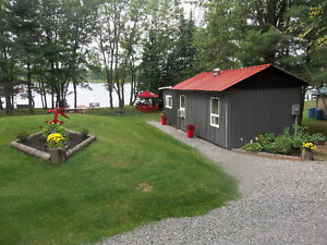 Beautiful cabin and trailer for rent on the Bonnechere River