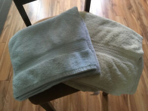 Plush blue and yellow bath towels
