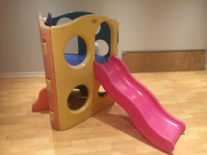 """""""little tike"""" indoor /outdoor climb and slide cube"""