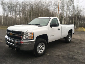 2013 Chev 3/4 ton 4x4 only 30,000kms