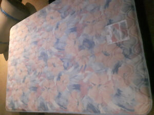 Double/full mattress and box spring