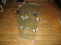 GLASS SHELVES WITH A POLISHED EDGE
