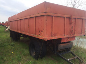 24' dumper and other farm wagons Windsor Region Ontario image 5