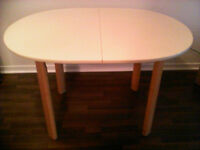 Selling a table in good condition for $20