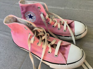 Girls Converse All Star High tops - Size 2