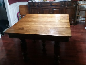 Antique   Pineapple leg table and 6 press back chairs