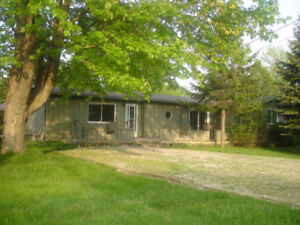 GreenLodge Cottage, near Grand Bend, August weeks available