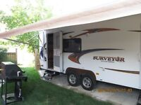 2011 26ft Surveyor Select Travel Trailer by Forest River