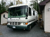 1999 Dutch Star, 31Ft Class A Motorhome (2 slide outs)