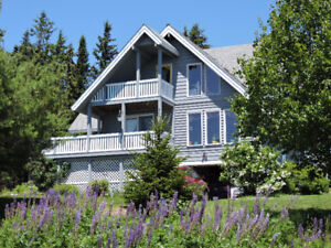Warm and cozy oceanview log home close to ski hill in N.S.