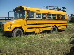 2001 Freightliner 26 pass bus
