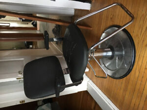 Used Hairstyling chair