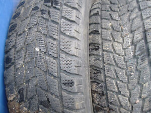 2 pneus hiver toyo
