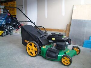 Weedeater Gas Lawn Mower