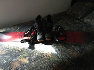 Selling snow board boots an bindings