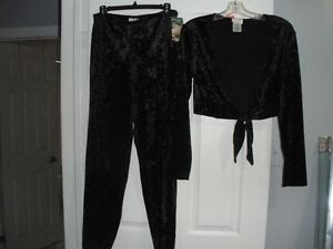 BLACK CRUSHED VELVET AND LACE 2 PIECE PAJAMA'S