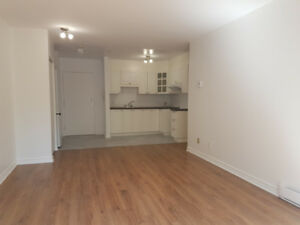 Great location, affordable price!  2 MIN walk to METRO St. Henri