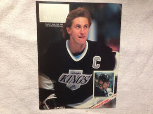 Beckett Hockey Magazine Wayne Gretzky Patrick Roy Premier Issue
