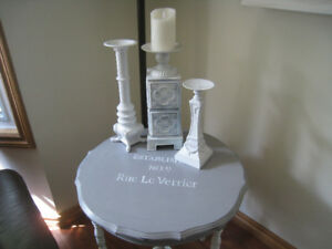 """A lovely accent table finished in Grey $ White.  24 x 25"""""""