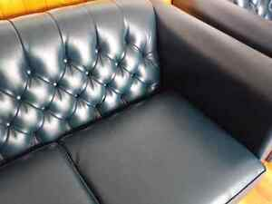 Newer  couch set London Ontario image 1