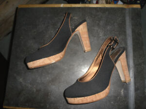 REITMANS HIGH HEEL SHOES