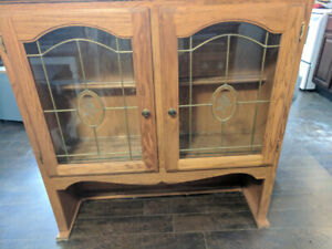 China hutch reduced to 100.00