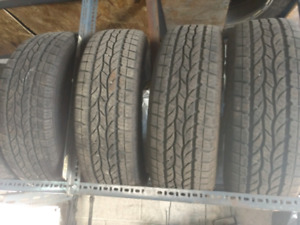 Like new 4 x 225/65R17 Bravo H/T summer tires pneus d'été