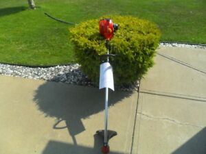 New Home lite 17 inch 26cc curved shaft gas trimmer $75.00