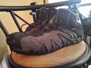 safety shoes New for sale