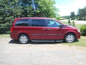 2014 Dodge Grand Caravan SE ONLY 33000 Ks --LOW -LOW