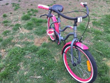 In good condition girl bike for sale (Negotiable)