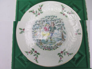 Royal Doulton Collection Plate with Certificate Gatineau Ottawa / Gatineau Area image 3
