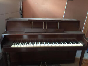 FREE Spinet Piano