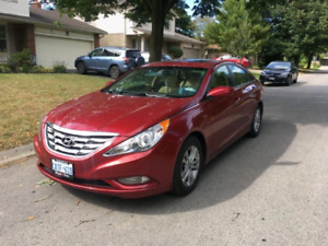 2013 Hyundai Sonata - LOW MILEAGE