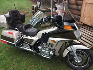Moto gold wing