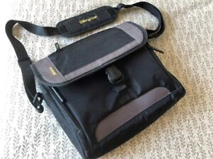 Tragus Carrying Case for iPads/Tablets New Condition