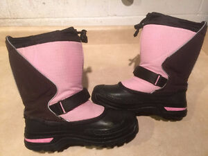 Girls Baffin Winter Boots Size 4 London Ontario image 6