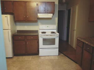 Spacious 2 bdrm unit available July 1st!!