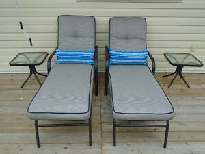 LUXURIOUS OUTDOOR CHAISE ALUMINUM LOUNGERS *** CAN DELIVER
