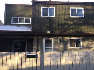 The BEST TOWNHOUSE in Edmonton! PERFECT FOR FAMILIES!!