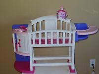 Combo kitchen, crib and high chair