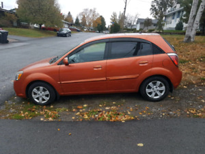 Kia Rio5 2011 low mileage + winter tires and summer tires