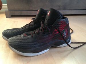 Curry 2.5 red and black basketball shoes size 10 mens