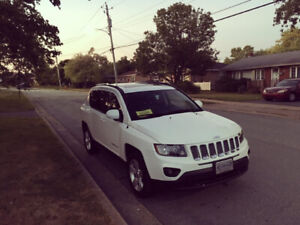 2014 Jeep Compass LOW KMS